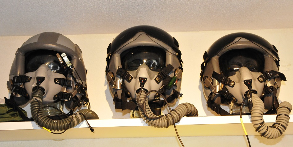 Pilot helmets - the Aviation Store net