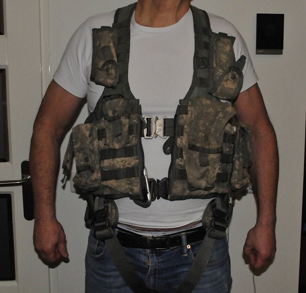 US Army Flight Vest Harness + extras