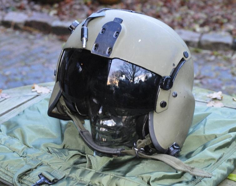 Gentex HGU-56 helicopter flight helmet KLu with helmet bag