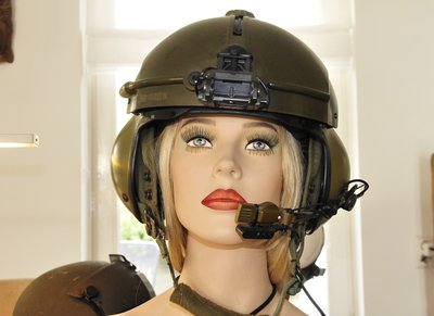 Gentex SPH-4 helicopter flight helmet with head display