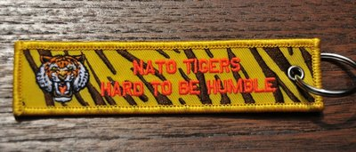 NATO TIGERS - HARD TO HUMBLE keyring keychain bagage label