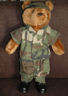 Teddy bear in military uniform - groot