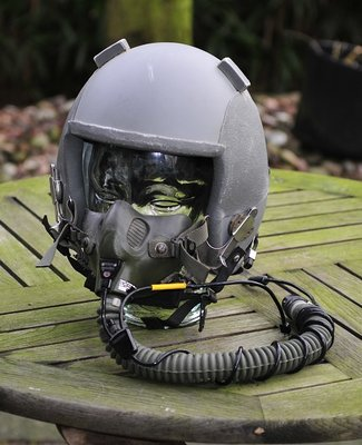 Gentex HGU-55/p flight helmet with MBU-12/P oxygen mask Large with helmet bag