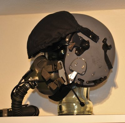 Gentex Alpha 100 flight helmet with MBU-12/P oxygen mask Medium with helmet bag