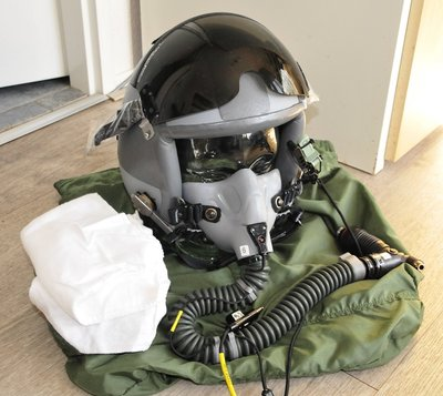 Gentex HGU-55/P flight helmet Large with MBU-12/P oxygen mask