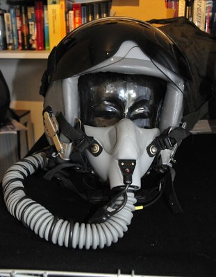 Gentex HGU-55/P flight helmet Medium with MBU-12/P oxygen mask