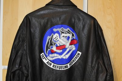 leather A-2 flight jacket (USAF) with 132nd Air Refuelling Squadron backpainting Original USAF flight jacket size 46L