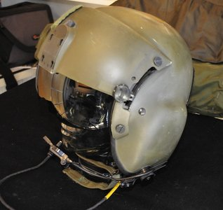 Gentex HGU-56 helicopter flight helmet Size Small with helmet bag
